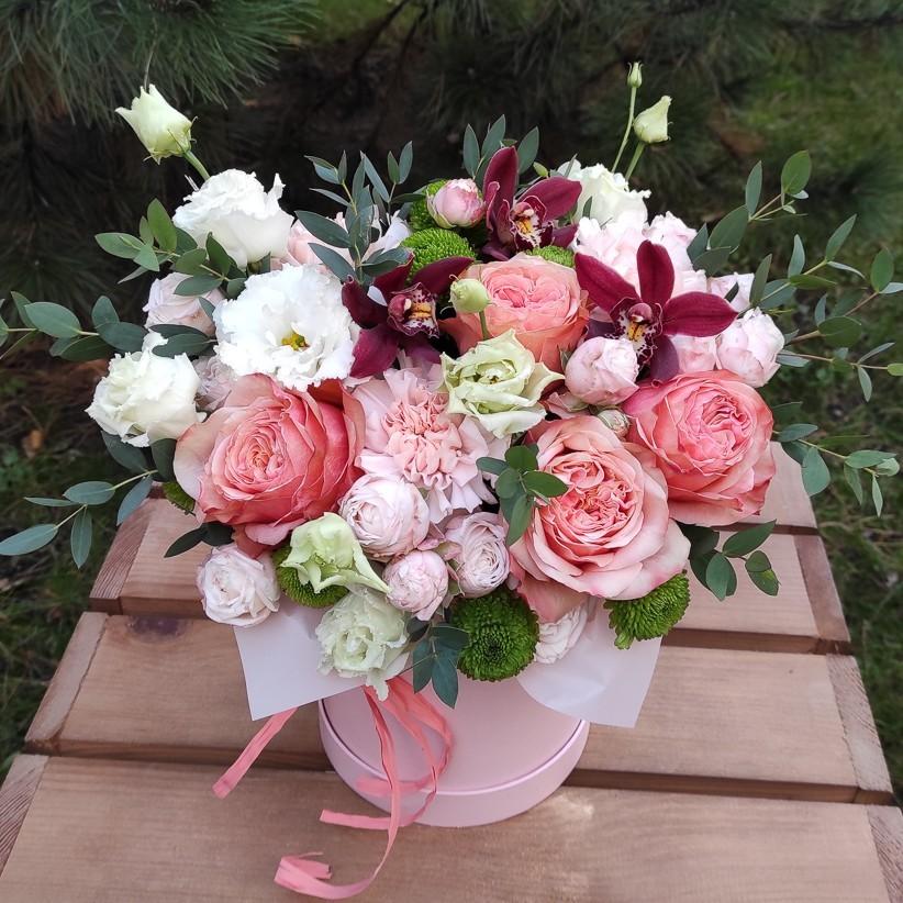 img 20201105 153443 - Композиція квітів у коробці № 004