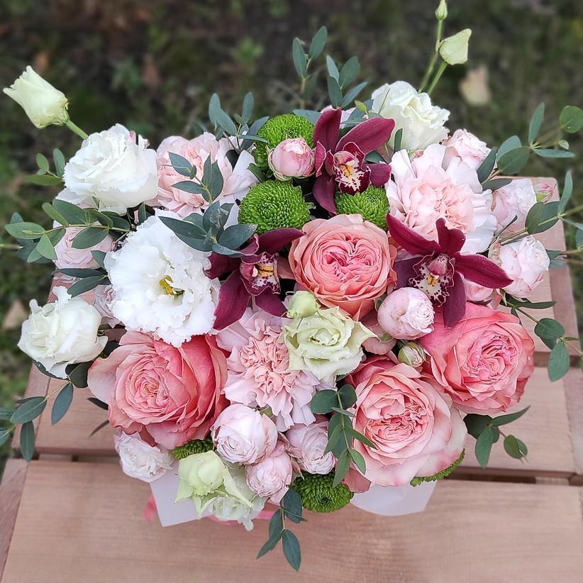 img 20201105 153556 - Композиція квітів у коробці № 002