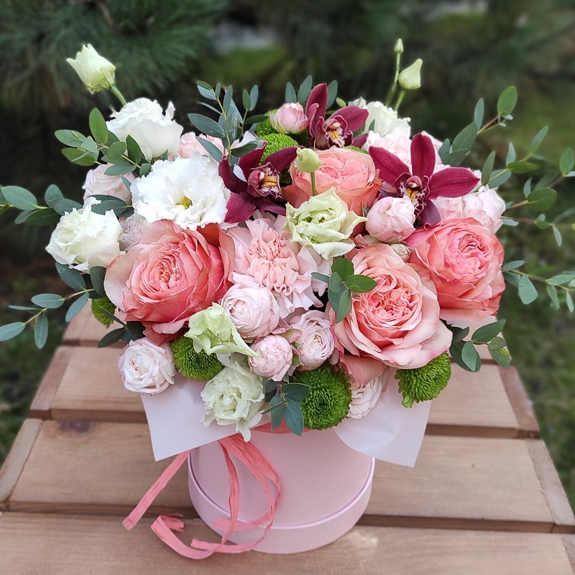 img 20201105 153605 - Композиція квітів у коробці № 002