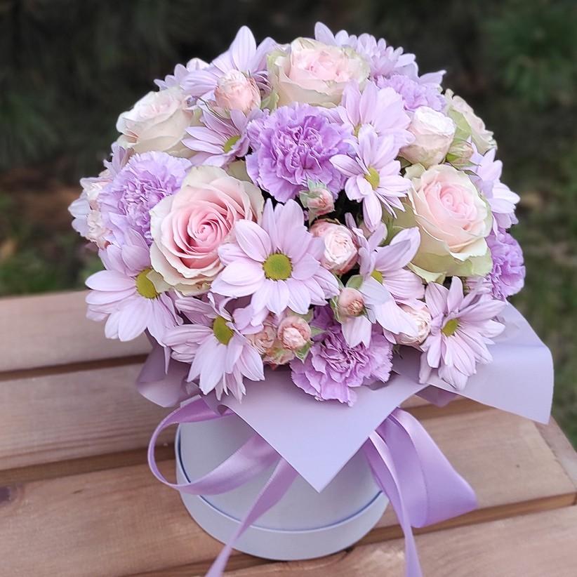 img 20201105 153909 - Композиция цветов в коробке № 004