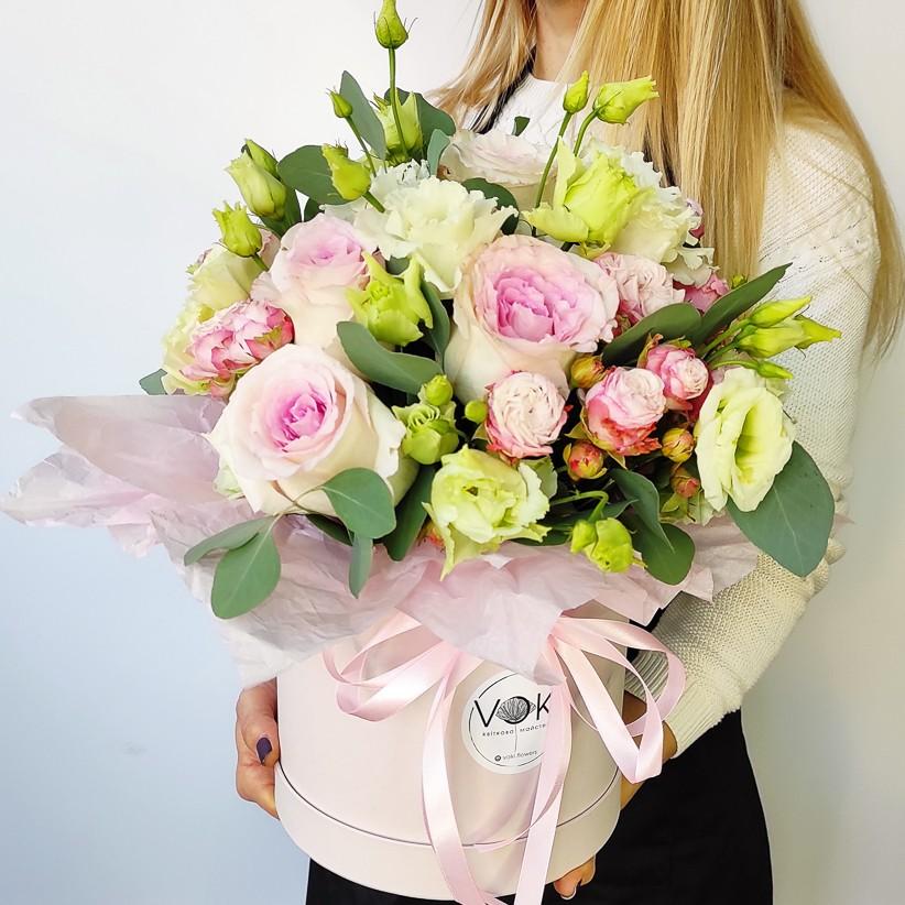 img 20201110 135633 - Композиция цветов в коробке № 006