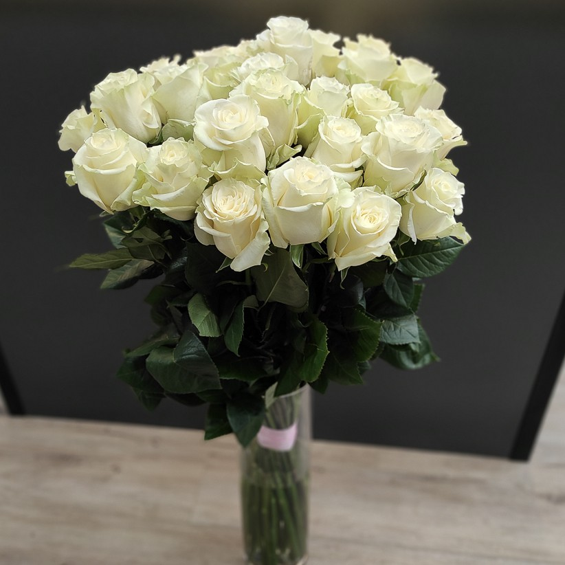 img 20201121 113142 - Букет из 27 белых роз Еквадор 90 см