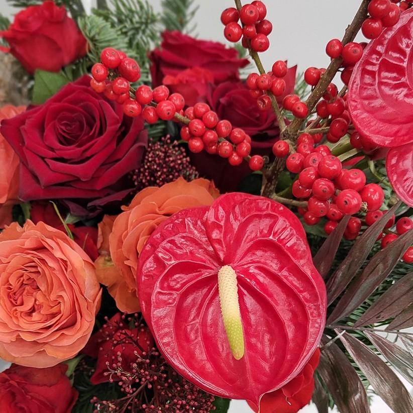 img 20201126 190504 - Композиція квітів у коробці № 009