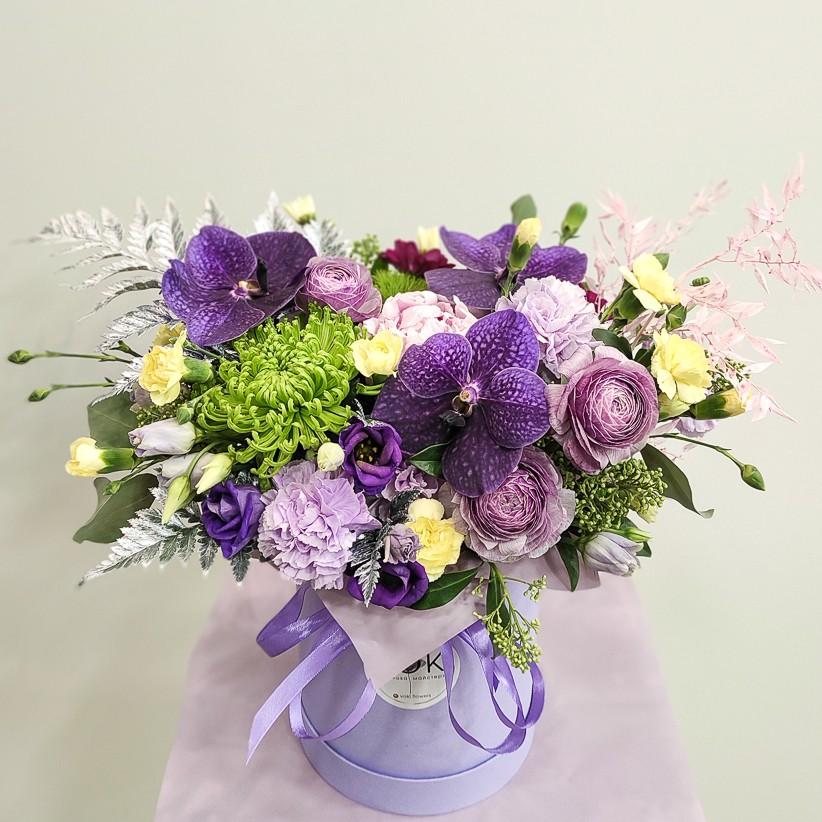 img 20201130 184034 1 - Композиція квітів у коробці  № 1003