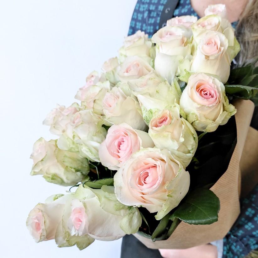 img 20201206 110130 - Розы бело-розовые