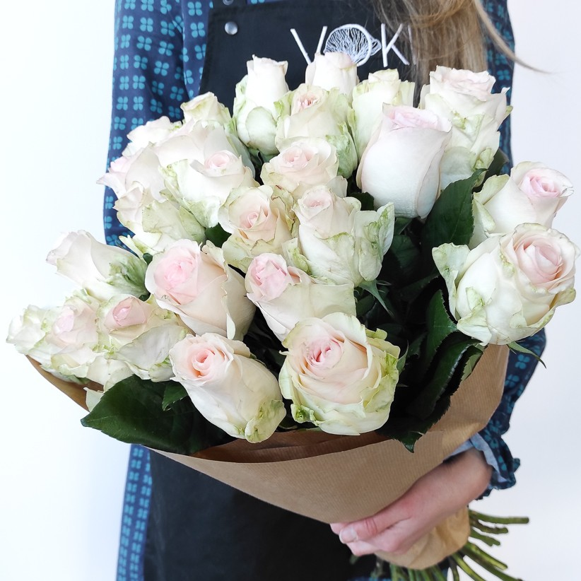 img 20201206 110148 - Розы бело-розовые