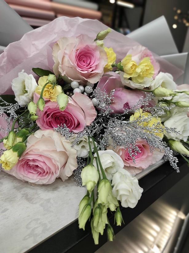 img 20201130 194110 - Букет квітів № 125