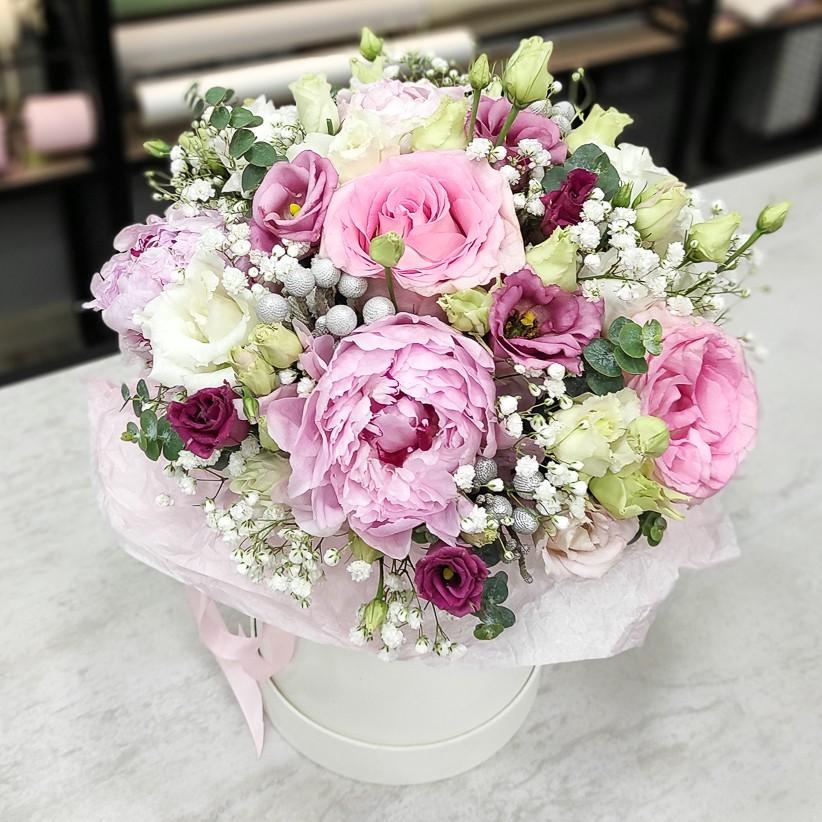 img 20201208 152539 - Квіткова композиція у коробці № 1011