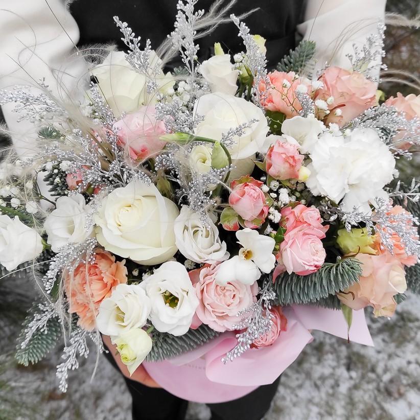 img 20201212 121355 - Композиция цветов в коробке  № 1012