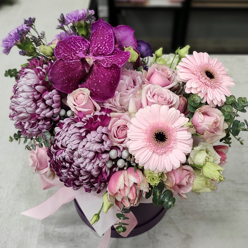 img 20201216 180303 - Квіткова композиція у коробці № 1014