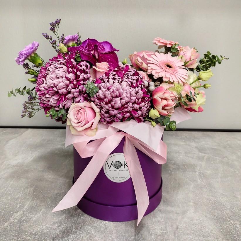 img 20201216 180534 - Квіткова композиція у коробці № 1014