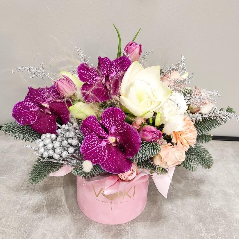 img 20201217 152804 - Композиция цветов в коробке  № 1013