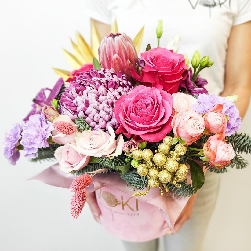 img 20201220 111643 - Квіткова композиція у коробці № 1015