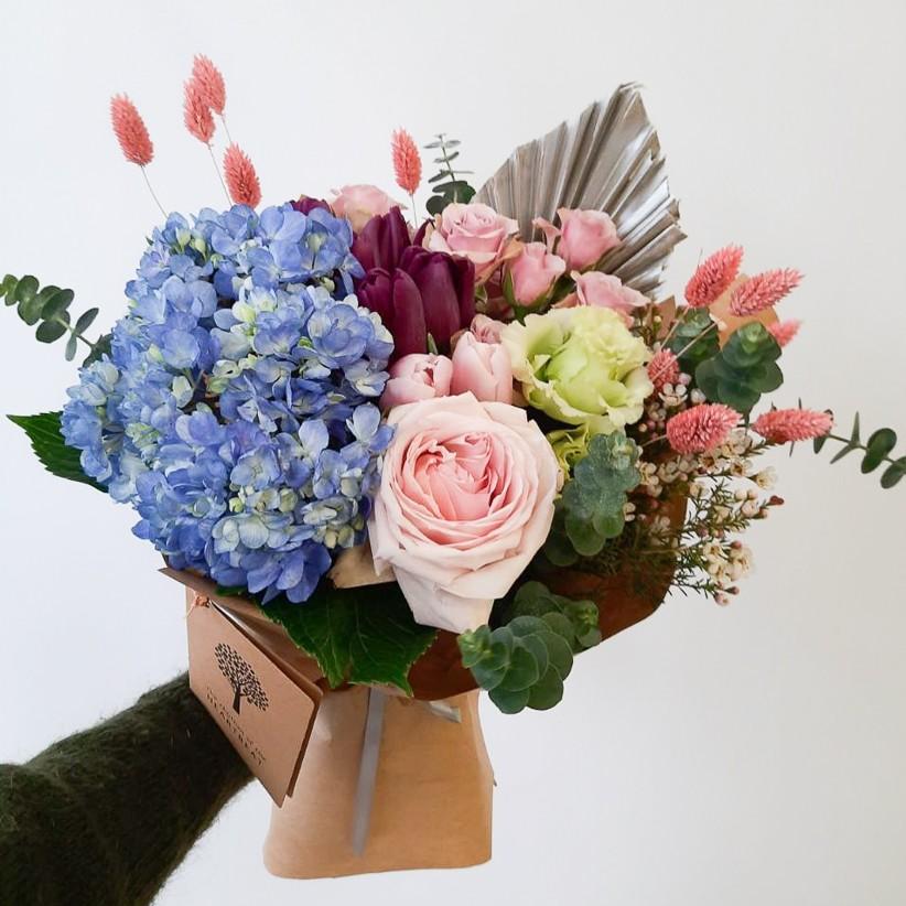 199a70b6 3b8d 468c 96b7 19365a64de12 1 - Букет цветов № 137