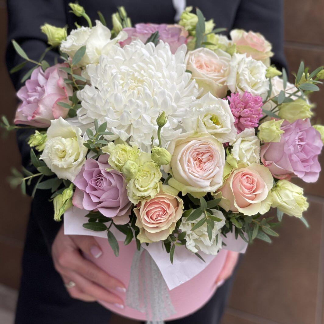img 1744 1064x1064 - Композиция цветов в коробке № 1043
