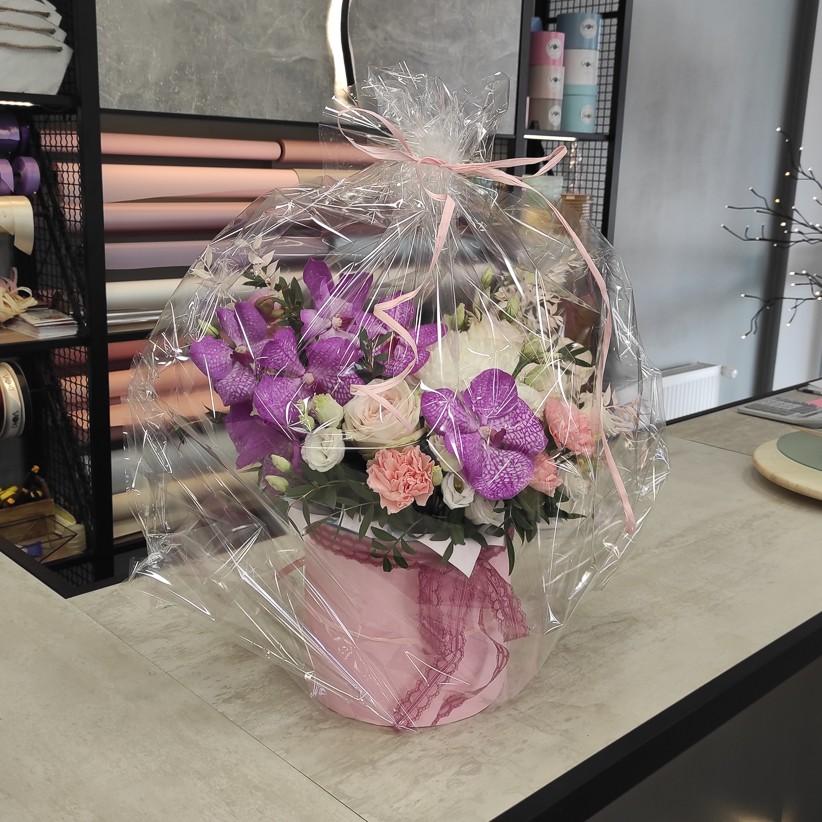 img 20210405 164411 - Композиція квітів у коробці № 1041