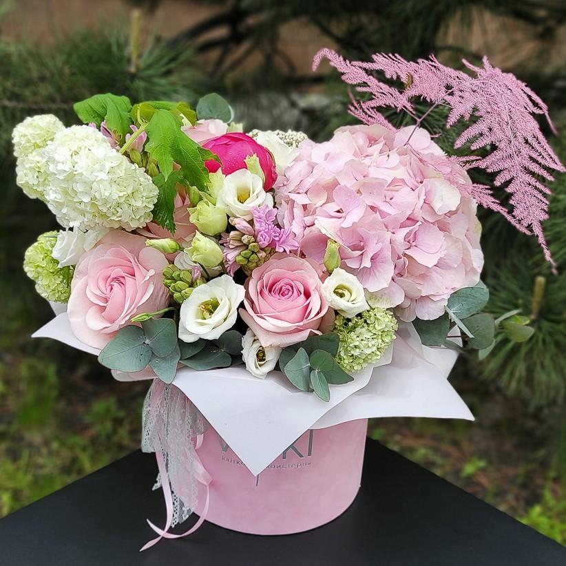img 20210519 142205 - Композиция цветов в коробке № 1053