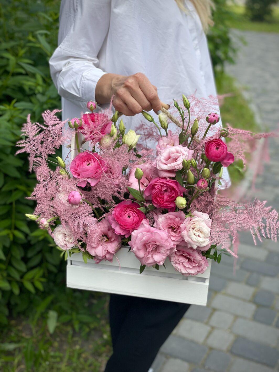 Композиція квітів у кашпо № 1056